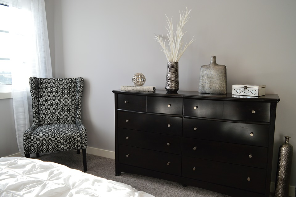accent chairs bedroom